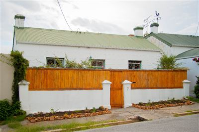 Grahamstown, Grahamstown Central Property  | Houses For Sale Grahamstown Central, Grahamstown Central, House 2 bedrooms property for sale Price:895,000