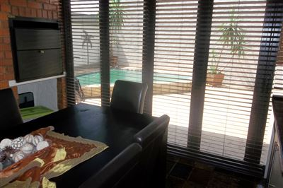 Cashan And Ext property for sale. Ref No: 13315509. Picture no 12