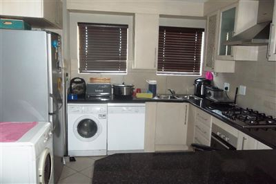 Cashan And Ext property for sale. Ref No: 13315509. Picture no 6