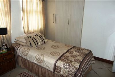 Cashan And Ext property for sale. Ref No: 13315509. Picture no 23