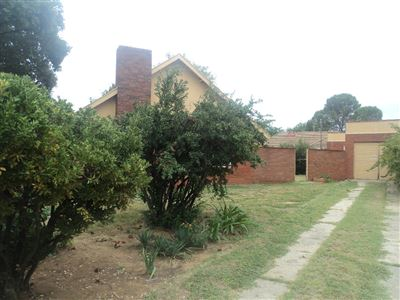 Property and Houses for sale in Vierfontein, House, 3 Bedrooms - ZAR 250,000