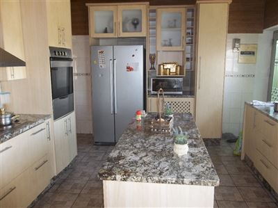 Property and Houses for sale in Gillview, House, 3 Bedrooms - ZAR 1,420,000
