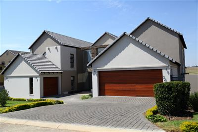 Copperleaf Estate property for sale. Ref No: 13319020. Picture no 1