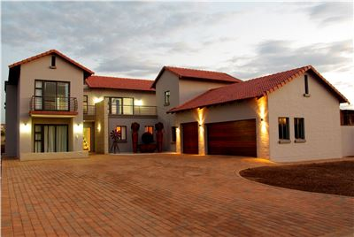 Hartbeespoort, Melodie Property  | Houses For Sale Melodie, Melodie, House 5 bedrooms property for sale Price:3,800,000