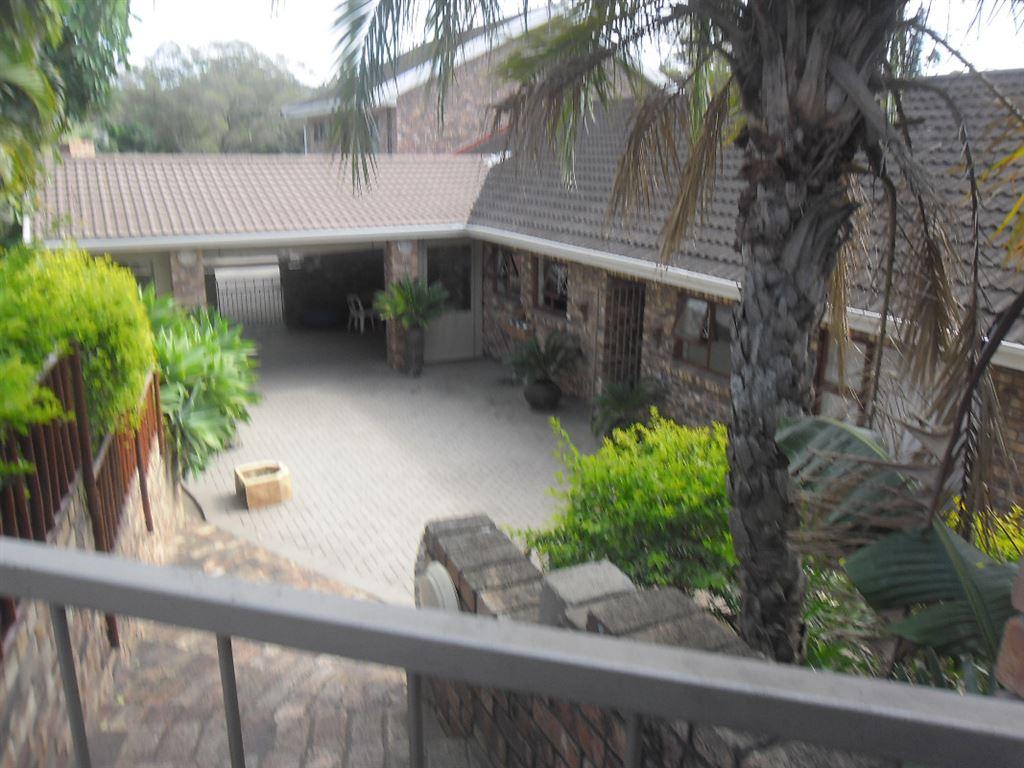 Amalinda- Great Opportunity for B&B, 2x2 bedroom flatlets