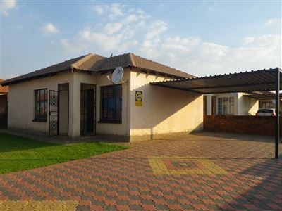 Witbank, Duvha Park & Ext Property  | Houses To Rent Duvha Park & Ext, Duvha Park & Ext, Townhouse 3 bedrooms property to rent Price:,  5,50*