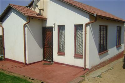 Soweto, Bram Fischerville Property  | Houses For Sale Bram Fischerville, Bram Fischerville, House 2 bedrooms property for sale Price:500,000