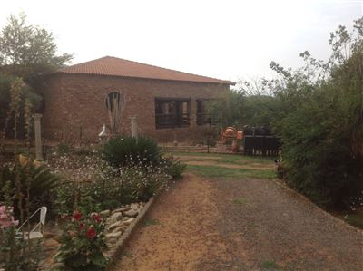 Byenespoort property for sale. Ref No: 13325587. Picture no 2