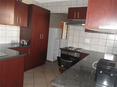 Witbank, Reyno Ridge Property  | Houses To Rent Reyno Ridge, Reyno Ridge, Townhouse 3 bedrooms property to rent Price:, 10,00*
