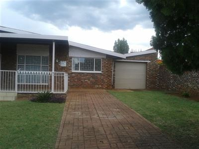 Potchefstroom, Mohadin Property    Houses For Sale Mohadin, Mohadin, House 3 bedrooms property for sale Price:860,000