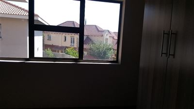 Six Fountains Residential Estate property for sale. Ref No: 13327701. Picture no 14