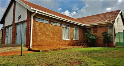 Bloemfontein, Universitas Property  | Houses For Sale Universitas, Universitas, House 11 bedrooms property for sale Price:1,890,000