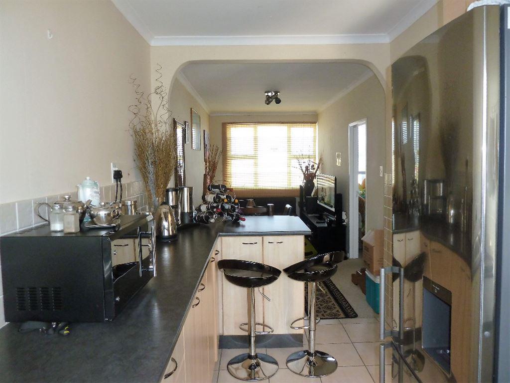 Sunny Apartment in Fish Hoek