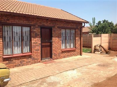Soweto, Protea Glen Ext 2 Property  | Houses For Sale Protea Glen Ext 2, Protea Glen Ext 2, House 3 bedrooms property for sale Price:560,000