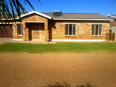 Rustenburg And Ext property for sale. Ref No: 13335753. Picture no 9