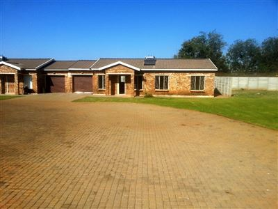 Rustenburg And Ext property for sale. Ref No: 13335753. Picture no 15