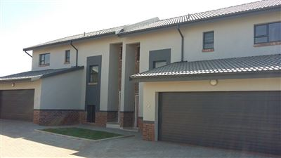 Centurion, Heuwelsig Estate Property  | Houses For Sale Heuwelsig Estate, Heuwelsig Estate, Townhouse 3 bedrooms property for sale Price:1,725,000