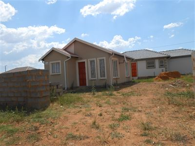 Witbank, Klarinet Property  | Houses For Sale Klarinet, Klarinet, Townhouse 2 bedrooms property for sale Price:415,000
