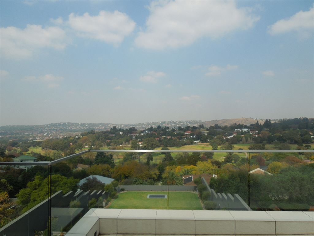 Expansive views over the golf course