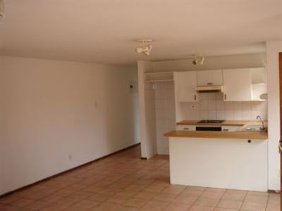 Forest Hill property to rent. Ref No: 13299207. Picture no 2