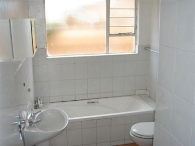 Forest Hill property to rent. Ref No: 13299207. Picture no 6