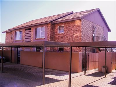 Bloemfontein, Pellissier Property  | Houses For Sale Pellissier, Pellissier, Townhouse 2 bedrooms property for sale Price:670,000