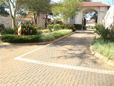 Property and Houses for sale in Pretoriuspark, Retirement Home, 2 Bedrooms - ZAR 2,100,000