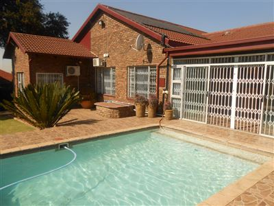 Die Heuwel & Ext property for sale. Ref No: 13342052. Picture no 1