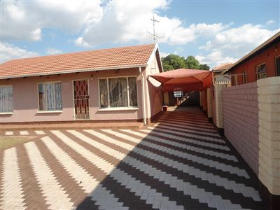 Tlhabane West property for sale. Ref No: 13342500. Picture no 1