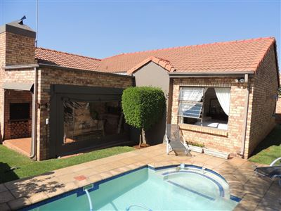 Roodepoort, Weltevredenpark Property  | Houses For Sale Weltevredenpark, Weltevredenpark, Cluster 3 bedrooms property for sale Price:1,695,000