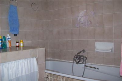 Krugersdorp North for sale property. Ref No: 13345534. Picture no 10