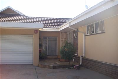 Krugersdorp North property for sale. Ref No: 13345534. Picture no 15