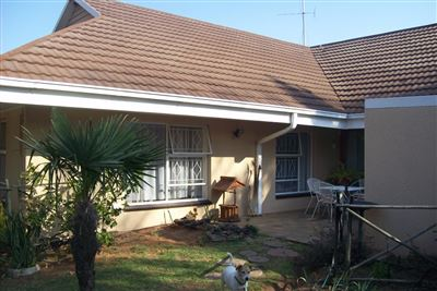Krugersdorp North property for sale. Ref No: 13345534. Picture no 14