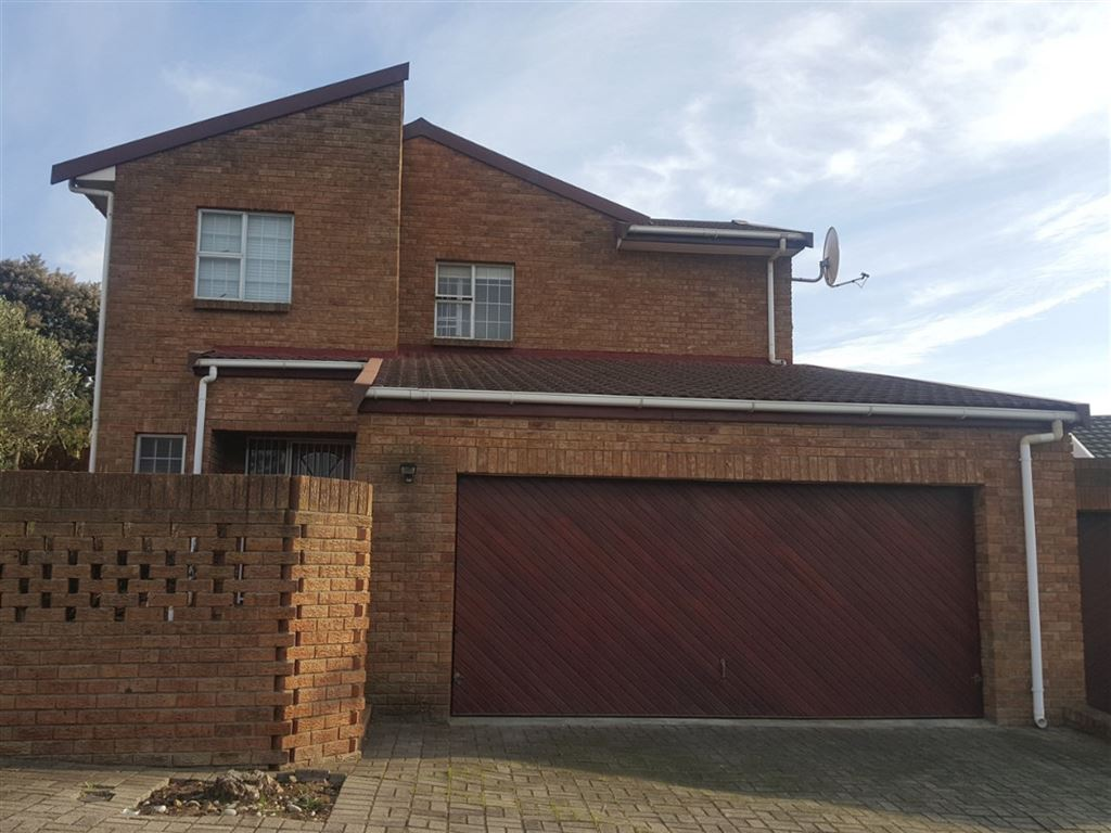 Secure Living in Aurora (Vergesig) - Durbanville