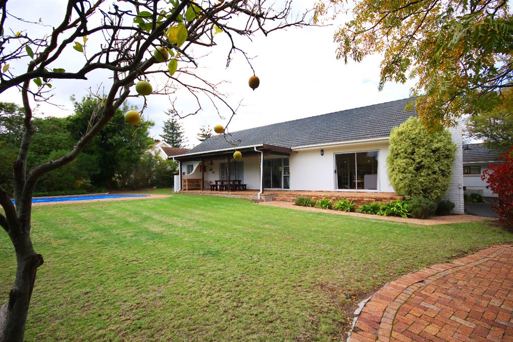 Endless opportunities in this lovely family home!