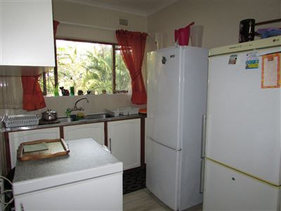 Umtentweni property for sale. Ref No: 13346819. Picture no 9