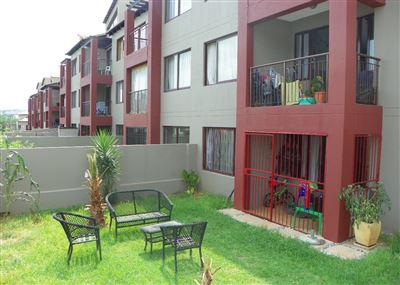 Roodepoort, Honeydew Grove Property  | Houses For Sale Honeydew Grove, Honeydew Grove, House 2 bedrooms property for sale Price:610,000