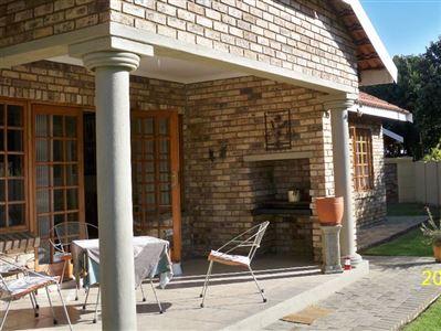Grimbeeck Park property for sale. Ref No: 13353636. Picture no 1