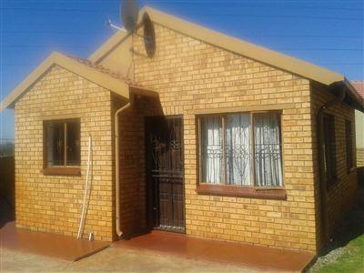 Potchefstroom, Potchefstroom Industria Property  | Houses For Sale Potchefstroom Industria, Potchefstroom Industria, House 2 bedrooms property for sale Price:530,000