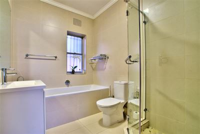 Fresnaye property to rent. Ref No: 13354555. Picture no 17