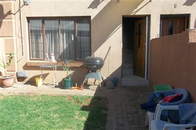 Middedorp property for sale. Ref No: 13355610. Picture no 1