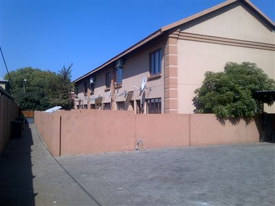Middedorp property for sale. Ref No: 13355621. Picture no 1