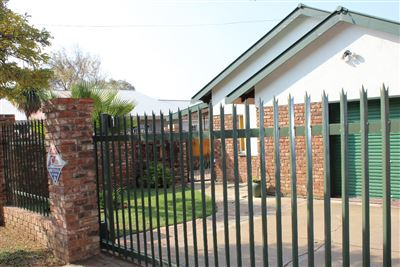 Potchefstroom Central property for sale. Ref No: 13356256. Picture no 1