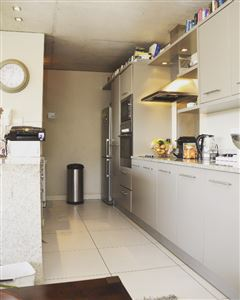 Cape Town City Centre property to rent. Ref No: 13356515. Picture no 5