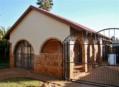Klerksdorp, Randlespark Property  | Houses For Sale Randlespark, Randlespark, House 3 bedrooms property for sale Price:545,000
