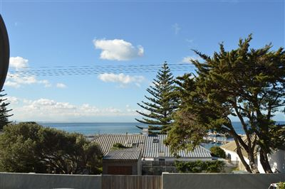 Apartment for sale in Kalk Bay
