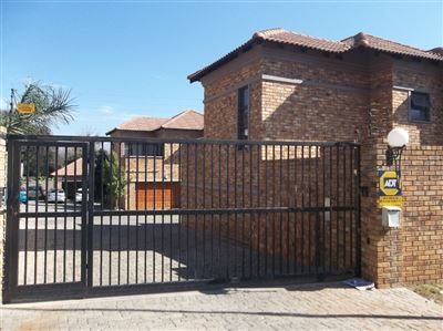 Mondeor property for sale. Ref No: 13358574. Picture no 10