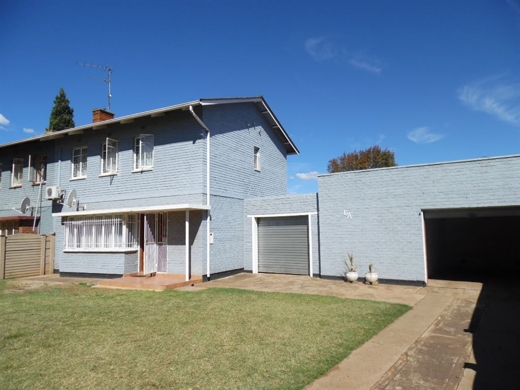 Newly Renovated Modern House For Sale In CE2, Vanderbijlpark