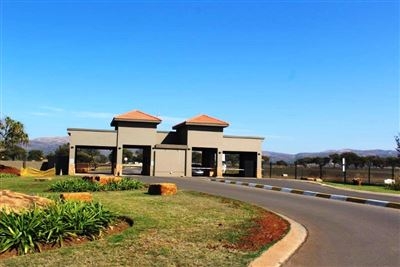 Waterkloof East property for sale. Ref No: 13360428. Picture no 1