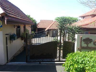 Amanzimtoti property for sale. Ref No: 13360715. Picture no 1